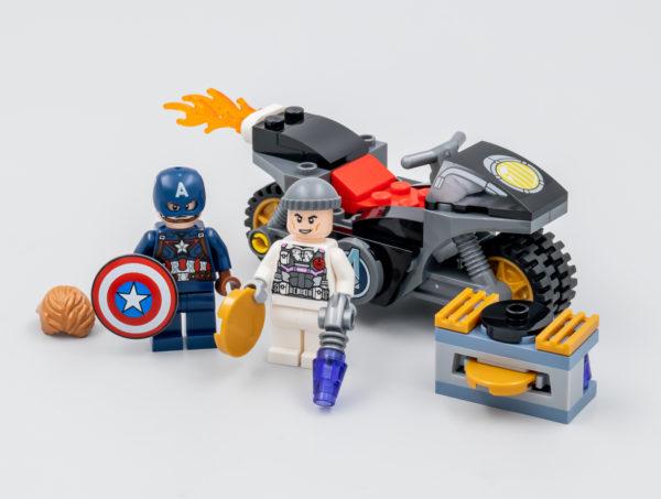 76189 lego marvel captain america hydra face off 3