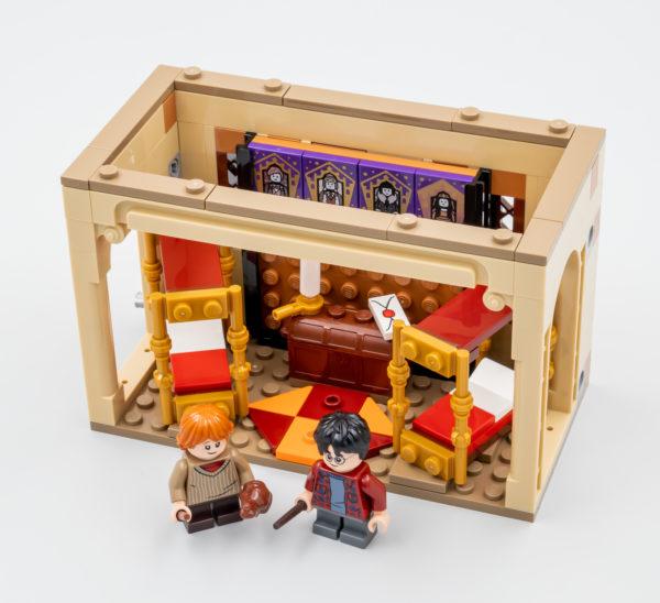 40452 lego harry potter hogwarts gryffindor dorms 9