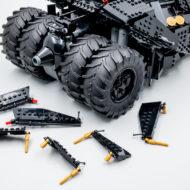 76240 lego dc comics batman matmobile tumbler 15