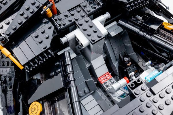 76240 lego dc comics batman matmobile tumbler 25