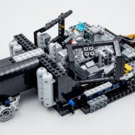 76240 lego dc comics batman matmobile tumbler 3 1