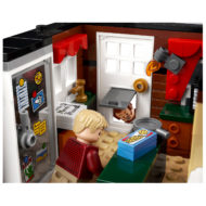 lego ideas 21330 home alone house 13